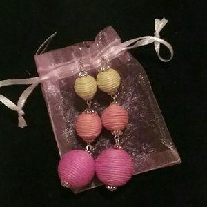 Jewelry - Women's Pretty Dangle ball earrings nwot!